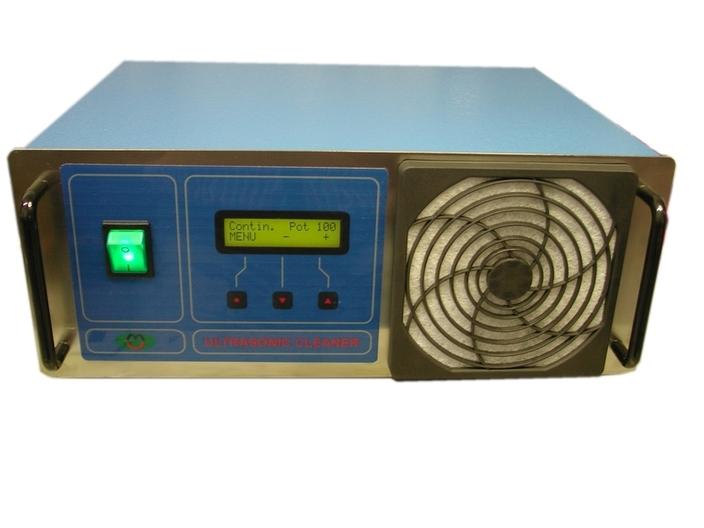 Generatore a ultrasuoni